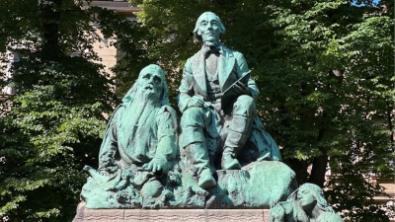 Kalevalahenkinen opas Helsinkiin. Löydä kiinnostavimmat kohteet.