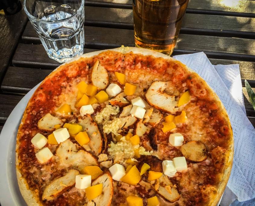 Ravintola Wanha Aitta pizza