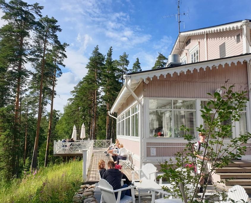 Punkaharju, vanha valtionhotelli. Hotelli Punkaharju. Itä-Suomen hienoimmat hotellit.